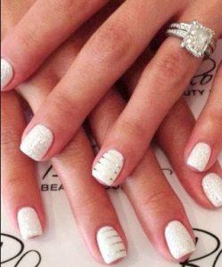 λευκα με ριγες ασημι νυχια νυφης