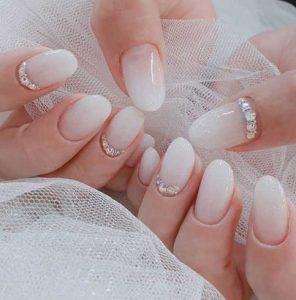 νυφικα λευκα νυχια