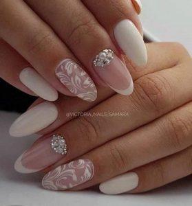 λευκο και ασημι νυχια νυφης