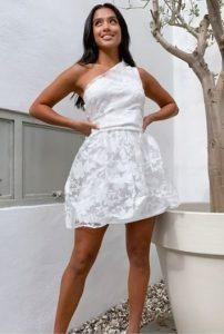 mini λευκό φόρεμα για γάμο