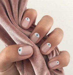 μπεζ μανικιούρ ματάκια καλοκαιρινά σχέδια νύχια