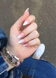 όμπρε λευκά νύχια