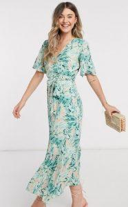 όμορφο floral φόρεμα