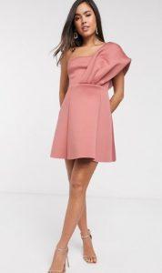 ροζ μίνι νυφικό