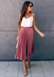 ροζ πλισέ φούστα άσπρο μπλουζάκι φούστες καλοκαίρι