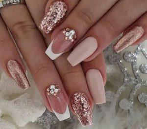 μπεζ ροζ χρυσα νυχια νυφης