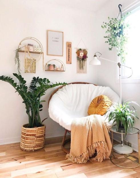άσπρη πολυθρόνα φυτά κάδρα