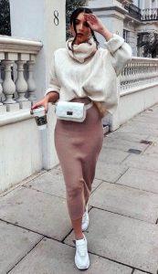 φούστα με πουλόβερ ντύσιμο