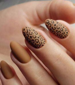 καφέ μαύρα λεοπάρ νύχια