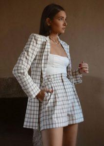 καρό γυναικείο κουστούμι με σορτσάκι