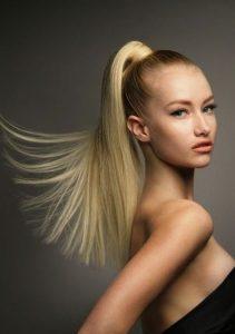 ξανθά μαλλιά ίσια αλογοουρά κομψές αλογοουρές