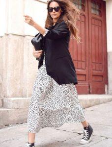 μακρύ φόρεμα πουά σακάκι