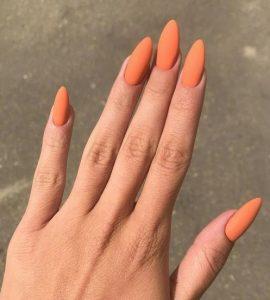ματ πορτοκαλί νύχια