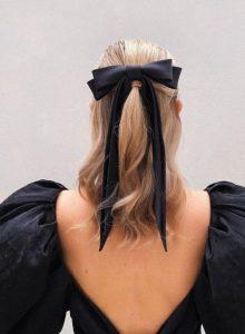 μαύρος φιόγκος ξανθά μαλλιά