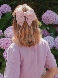μεγάλος ροζ φιόγκος μαλλιά