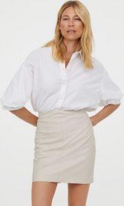 mini εφαρμοστή δερμάτινη φούστα