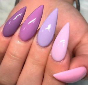 μοβ λιλά νύχια μανικιούρ
