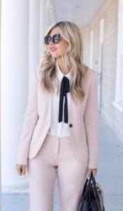 ντύσιμο με κουστούμι και πουκάμισο