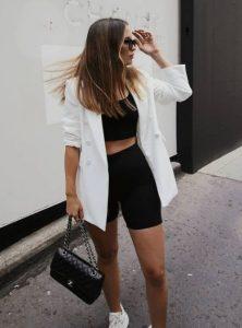 ντύσιμο με λευκό σακάκι