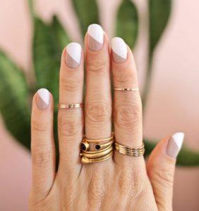 nude άσπρα νύχια
