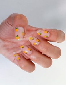νύχια με πορτοκάλια