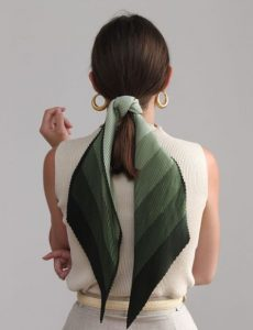 πράσινο μαντήλι κοτσίδα