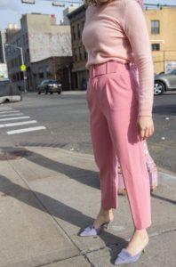 ροζ παντελόνι ροζ μπλούζα