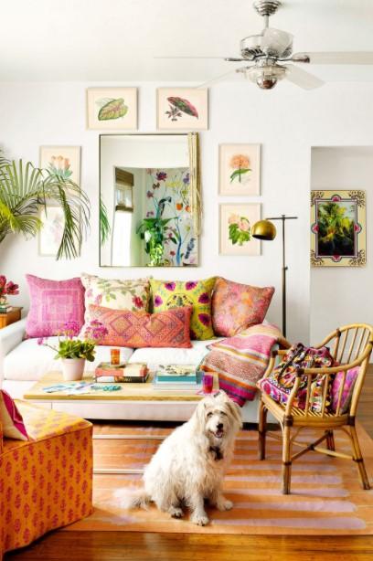 σαλόνι χρωματιστά μαξιλάρια