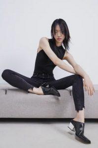 μαυρο σκισμενο παντελονι τζιν ζαρα