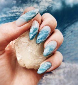 σχέδιο στα νύχια με έμπνευση από τη θάλασσα