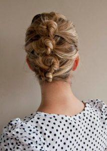 τέσσερα κοτσιδάκια μαλλιά