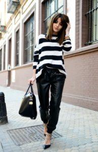 δερμάτινο παντελόνι ριγέ μπλούζα