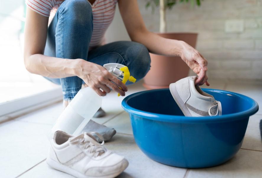 καθάρισμα παπουτσιών