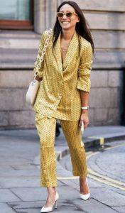 κίτρινο σατέν γυναικείο κουστούμι