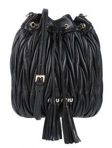 μαύρη τσάντα miu miu