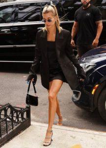 μαύρο μίνι φόρεμα oversized σακάκι