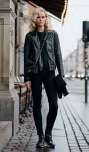 μαύρο παντελόνι μαύρο δερμάτινο ξανθά μαλλιά