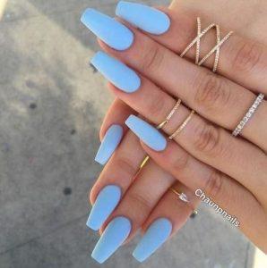 νύχια baby blue