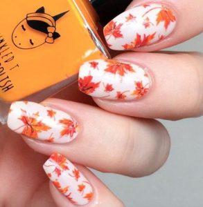 νύχια με φθινοπωρινά φύλλα