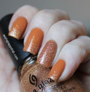 πορτοκαλί νύχια με glitter