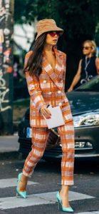 πορτοκαλί καρό κουστούμι