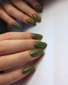 πράσινο μανικιούρ