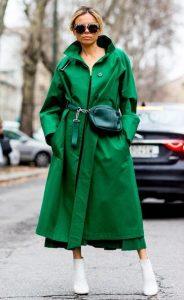 πράσινο παλτό άσπρα μποτάκια
