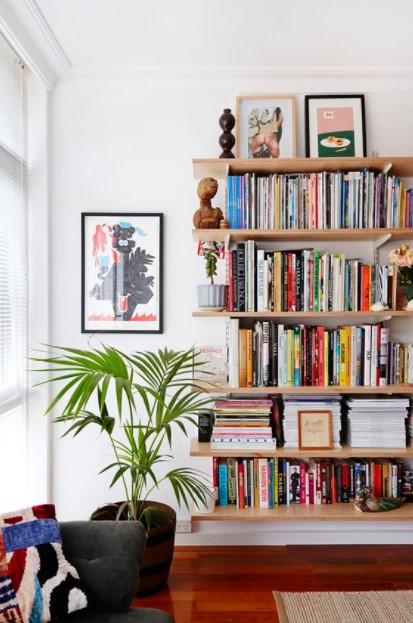 σαλόνι ράφια βιβλία διακόσμηση μικρών χώρων