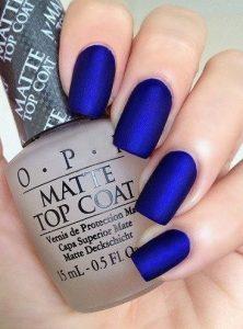 σκούρα μπλε νύχια