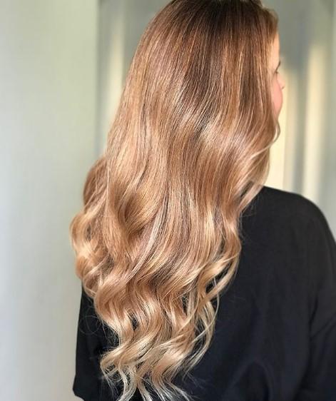 χρυσό ξανθό μαλλί