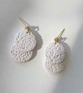 άσπρα σκουλαρίκια