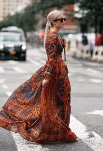 εμπριμέ μάξι φόρεμα πορτοκαλί