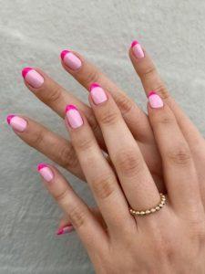 γαλλικό μανικιούρ με ροζ