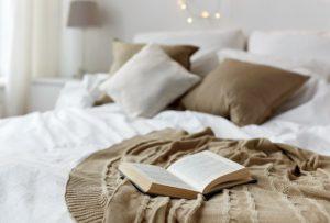 weißes Schlafzimmerbuch